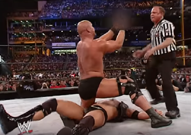 This Day In Wrestling History 3 30 The Rock Vs Stone Cold Steve Austin Austin S Final Match The Overtimer