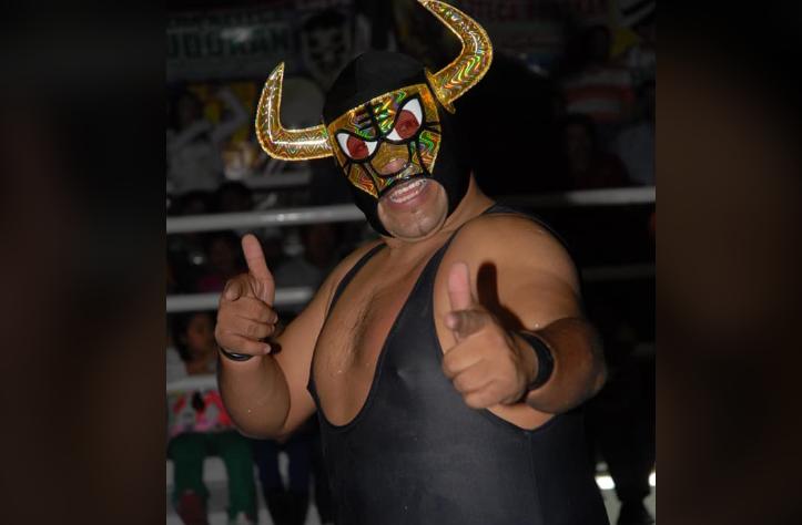Luchadors Golden Bull and Espiral Negro Pass Away