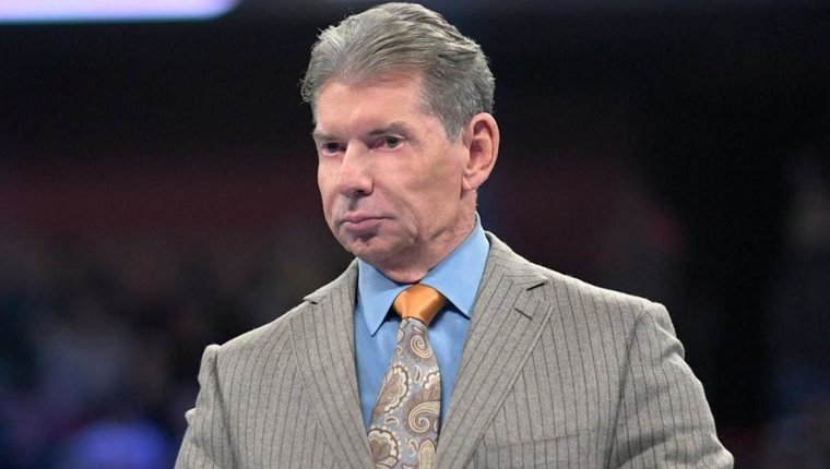 Why WWE Raw And Smackdown Ratings Are Dropping